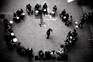 us-barcelona_drum-circle